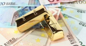 Gold bars and Euro