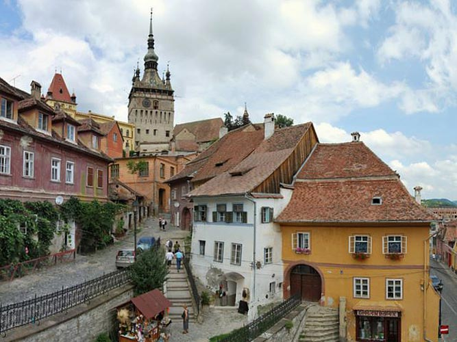 ... and Sighisoara, among the most beautiful medieval cities across Europe: www.romaniajournal.ro/sibiu-and-sighisoara-among-the-most-beautiful...