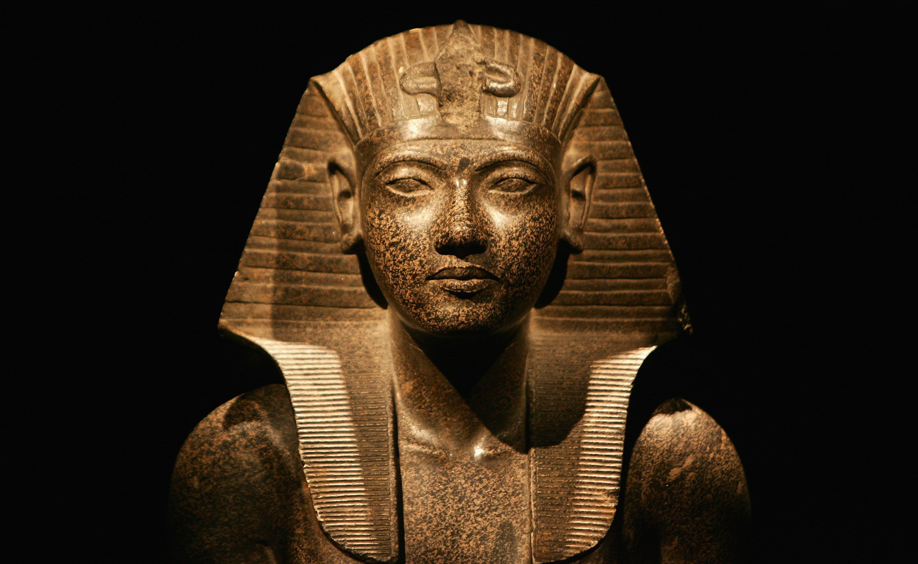a history of the golden age in amenhoteps reign in egypt The eighteenth dynasty of egypt is classified as the first dynasty of the new  kingdom of egypt, the era in which egypt achieved the peak of its power the  eighteenth dynasty spanned the period from 1549/1550 to 1292 bce   historical era, bronze age  the reign of amenhotep iii is seen as a high point  in this dynasty.