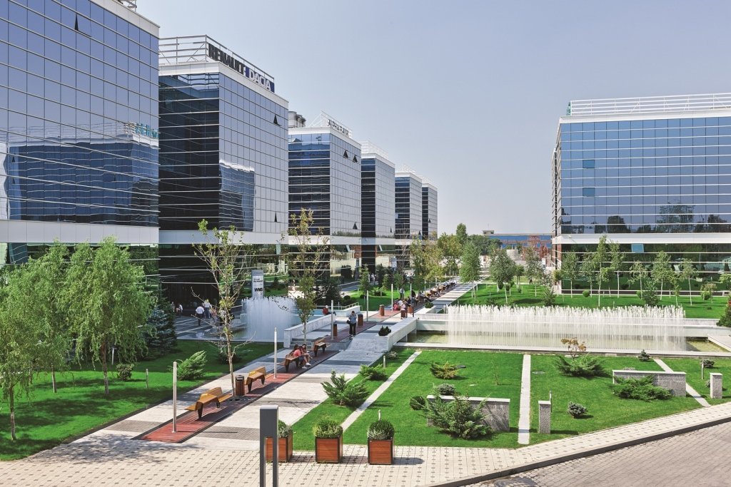 West Gate Leasing >> West Gate Extends The Lease Agreement With Siemens For