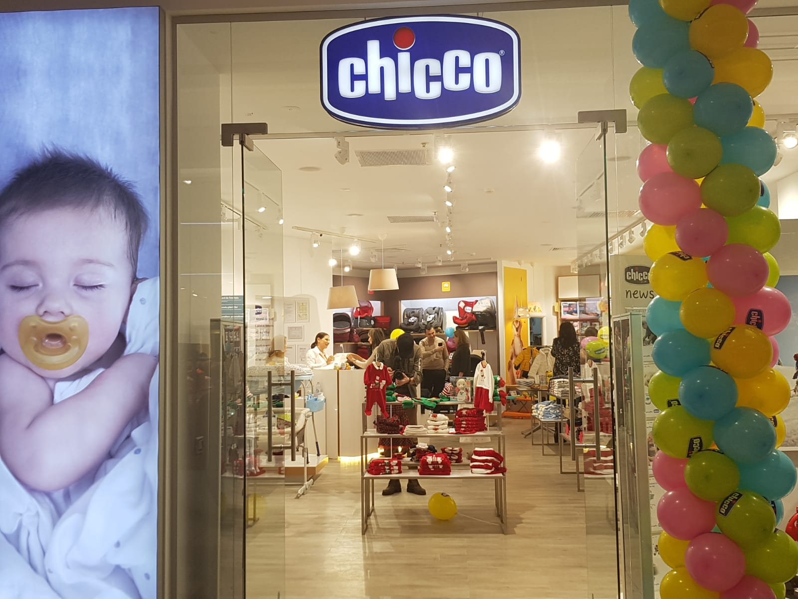 ade0758ab Chicco Romania is relocating its street stores to malls. Where the 8th  store has been opened?
